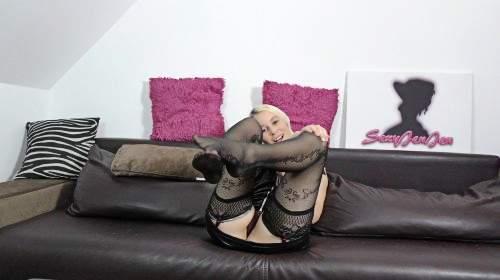 Nylon Fuß Bitch gibt Sklaven Dirtytalk