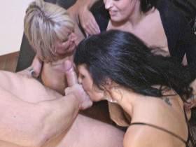 3 girls looking EXTREME fun !!!!
