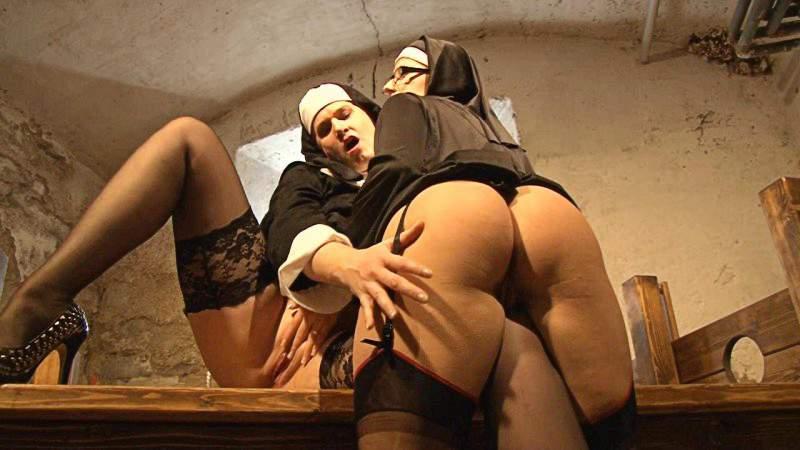 Lesbian teacher seduces busty student video
