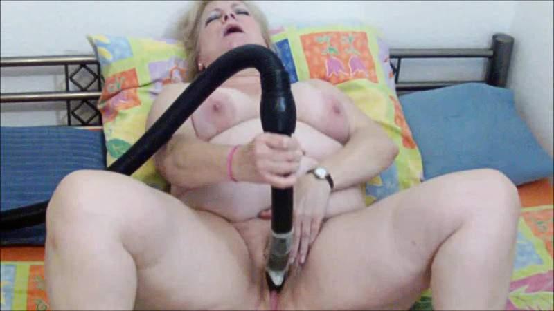 Mom uses vacuum cleaner sex pics