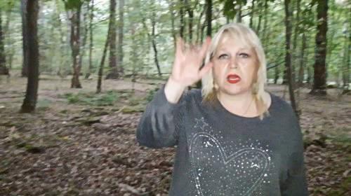 Pissen und scheissen im Wald