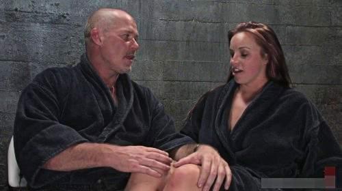 Bella Rossi macht ihr erstes BDSM und Sexshooting mit Mark Davis
