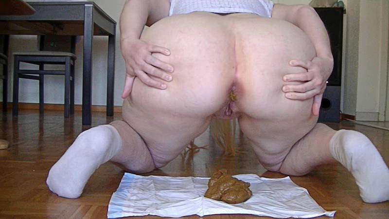BBW scat and fuck dirty dildo smears shit on the big ass