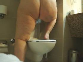 Pissing and farting while standing