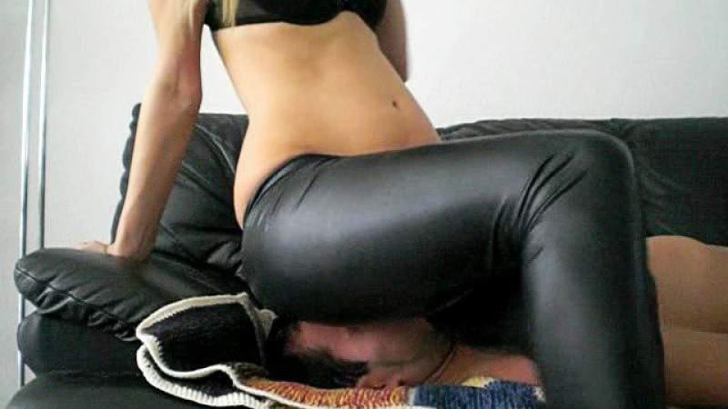 Bodybuilderin Reife Leggings Kuessen