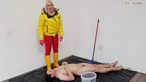 The cleaning slave may lick my yellow Hunter rubber boots