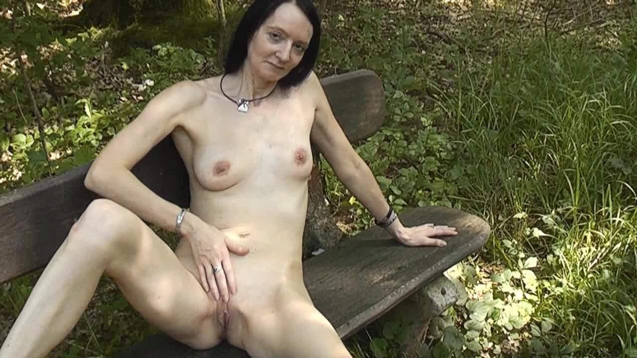 Bilder nackt und geil Mädchen nackt