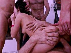 She had her little girl fucked in all holes at the same time