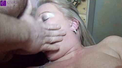 Perverser User besamte mir, extrem, meine Fotze und Maul! Dabei musste ich auch sein Arschloch lecken!