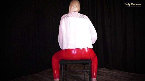 Facesitting Wichsanleitung in roter enger Latexhose POV
